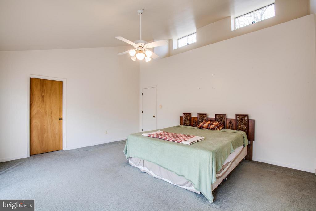 Bedroom (Master) - 115 MEADOWS RD, FREDERICKSBURG