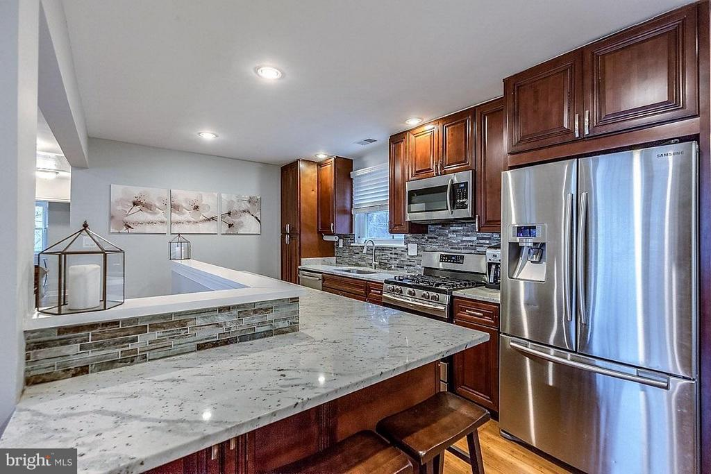 Kitchen - 407 HINSDALE CT, SILVER SPRING