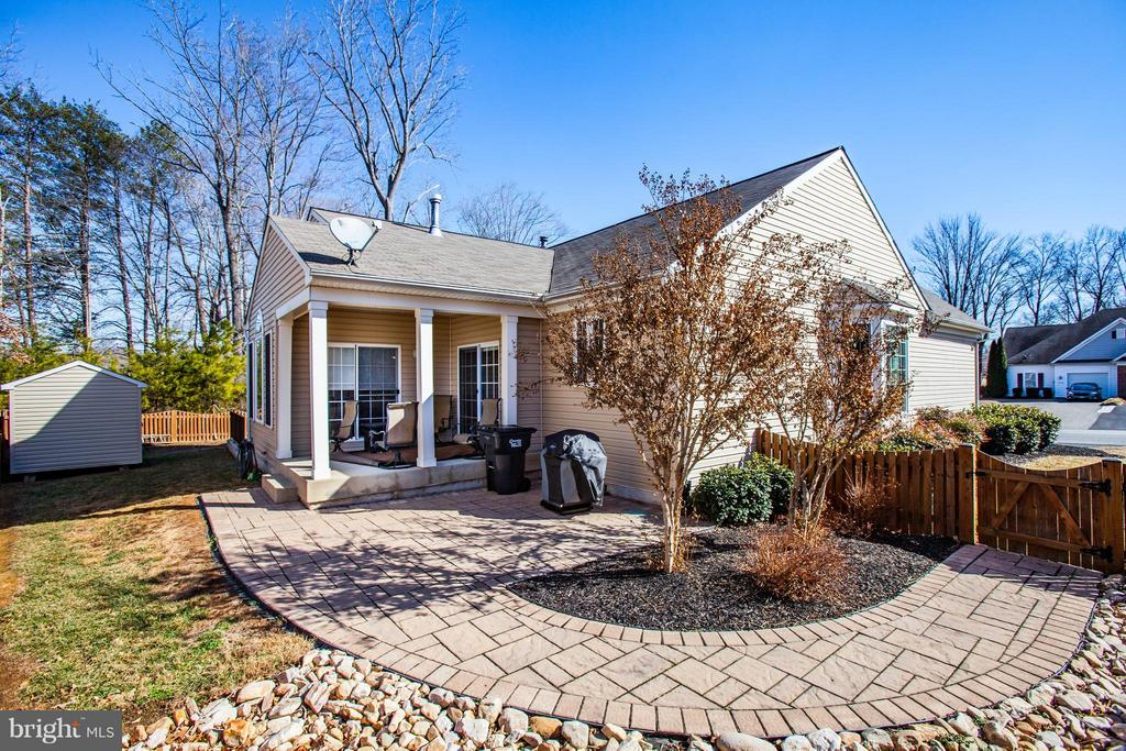 Gorgeous landscaping - 35115 SOMERSET RIDGE RD, LOCUST GROVE