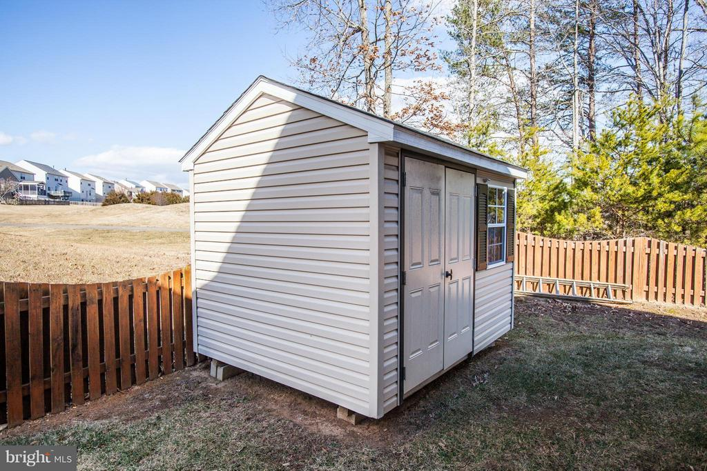 Shed conveys - 35115 SOMERSET RIDGE RD, LOCUST GROVE