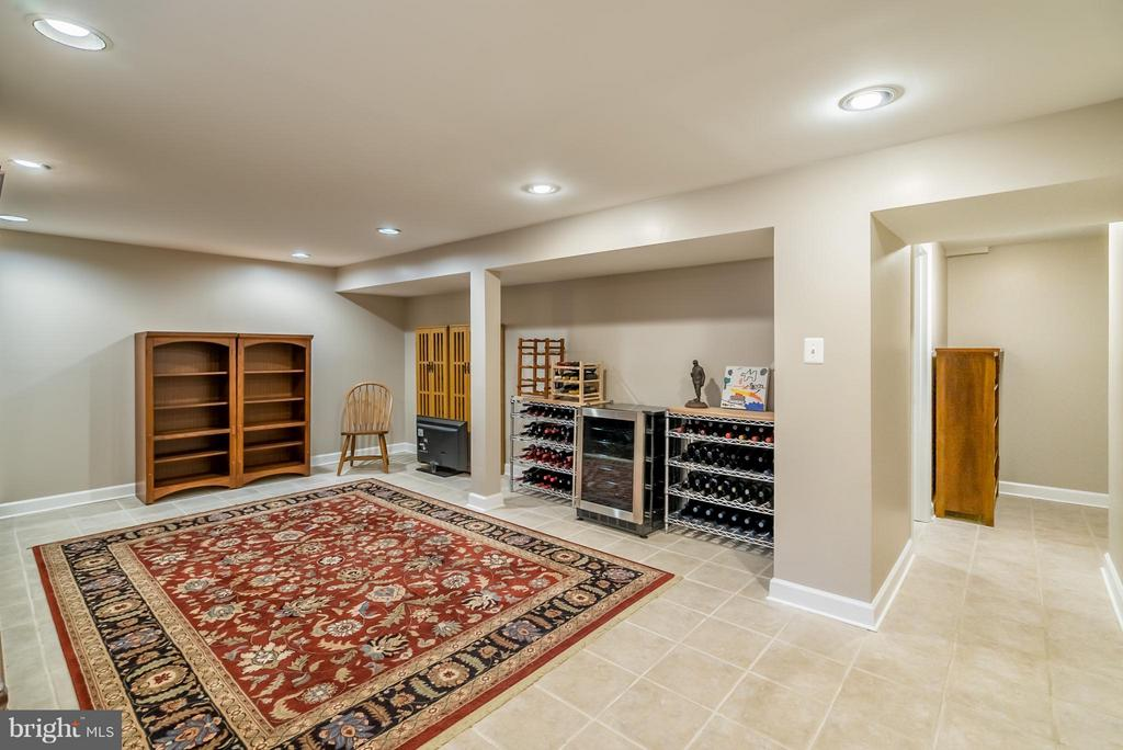 Lower Level Rec Room - Finished 2003 - 9304 BURNETTA DR, FAIRFAX