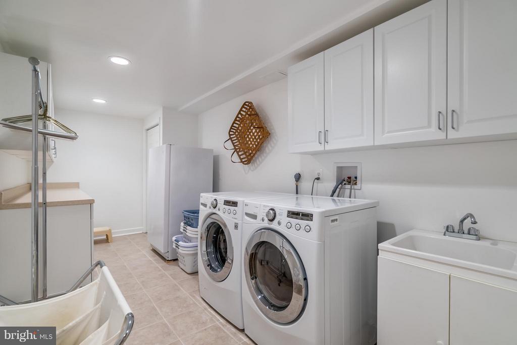 Lower Level Laundry - Finished 2009 - 9304 BURNETTA DR, FAIRFAX