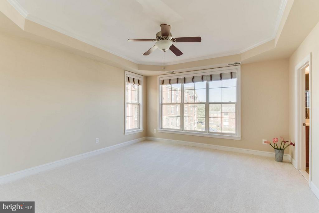 Bedroom (Master) - 131 FORTNIGHTLY BLVD, HERNDON