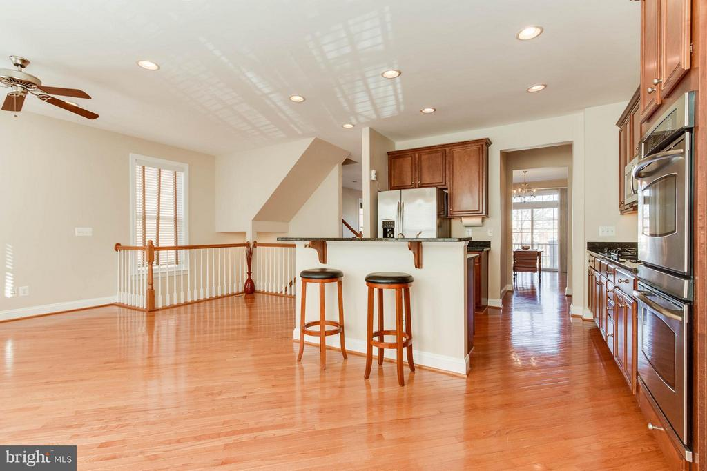 Notice the very open floor plan - 131 FORTNIGHTLY BLVD, HERNDON