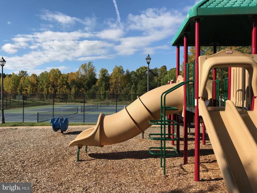 Walk to the community playground! - 2673 MCGUFFEYS CT, WOODBRIDGE