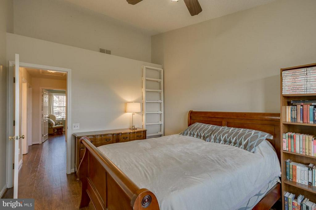 Bedroom (Master) - 2673 MCGUFFEYS CT, WOODBRIDGE