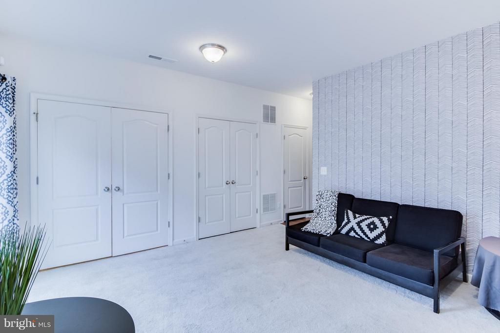 Large Recreation Room for Entertaining! - 107 FOUNDRY LN, STAFFORD