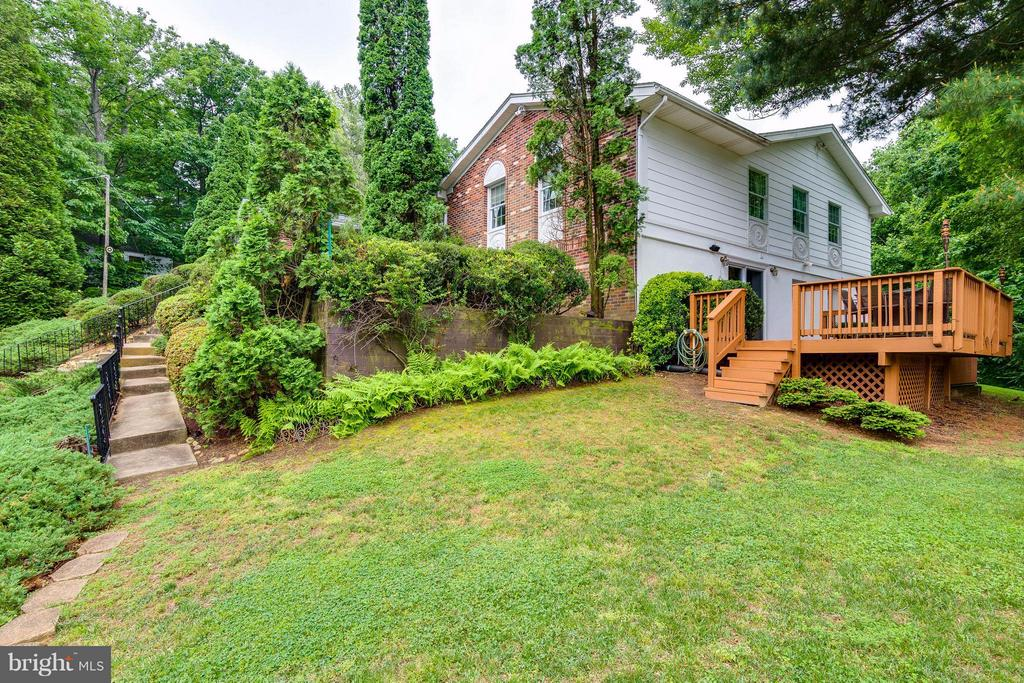 View of one of the three decks - 18348 SHARON RD, TRIANGLE