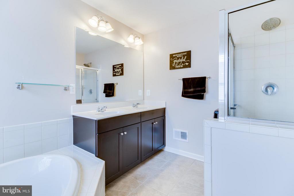 Dual Sink Vanity - 103 DANDRIDGE CT, STAFFORD