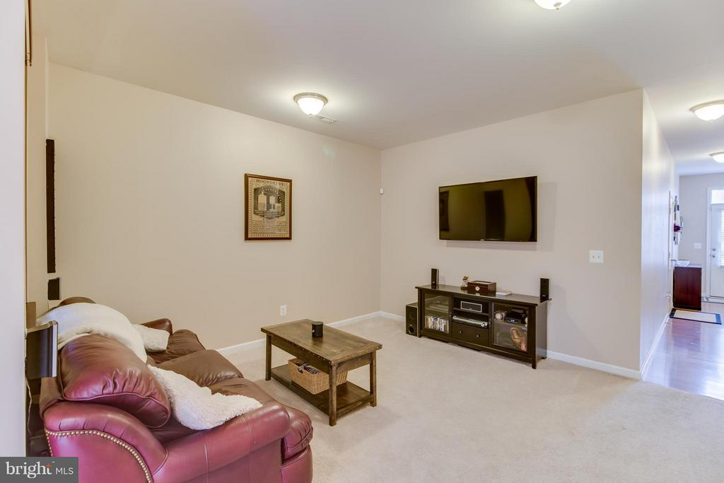Basement, could be used as an Office - 103 DANDRIDGE CT, STAFFORD