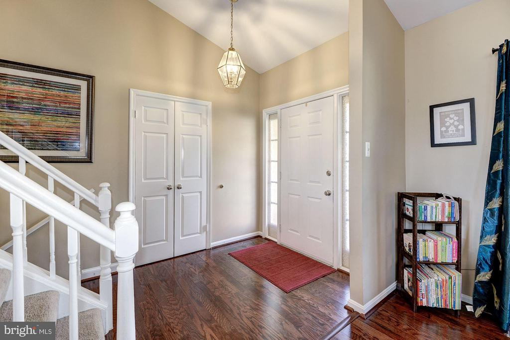 FOYER with VAULTED CEILING - 12418 WENDELL HOLMES RD, HERNDON