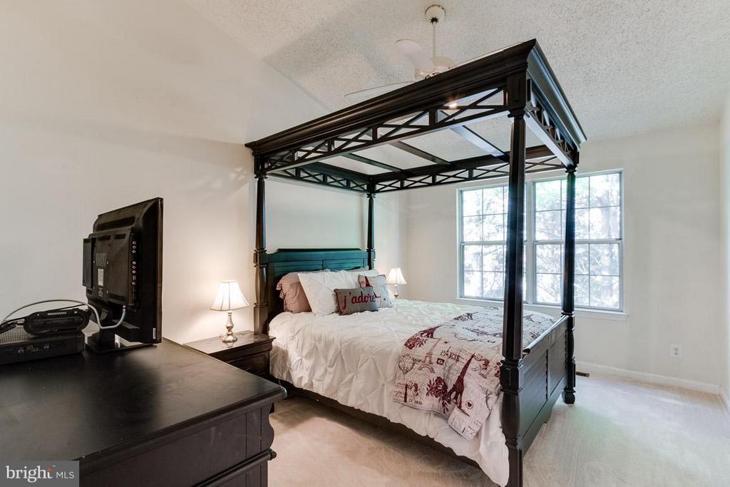 Bedroom (Master) - 2696 MCGUFFEYS CT, WOODBRIDGE