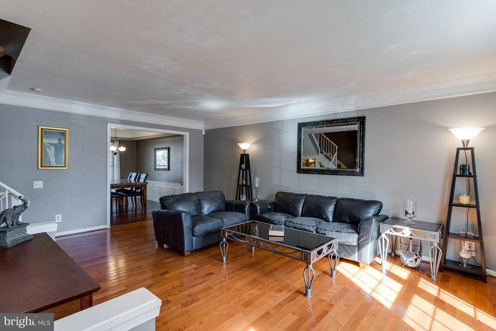 Living Room - 2696 MCGUFFEYS CT, WOODBRIDGE