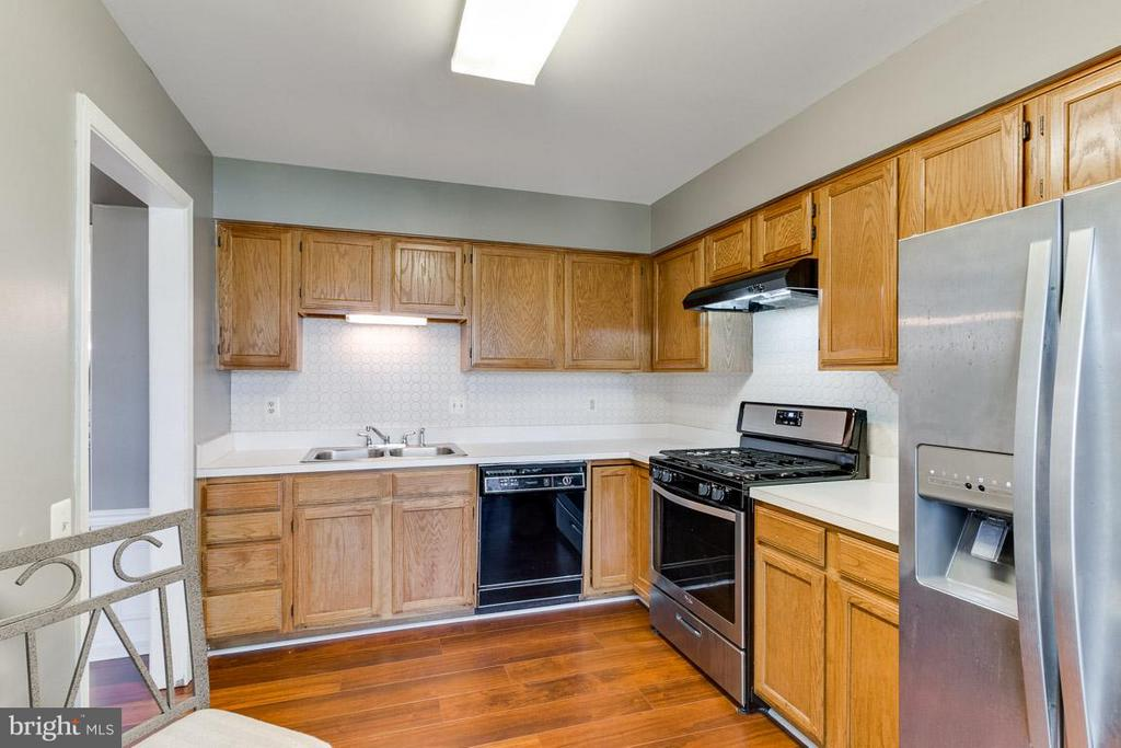 Kitchen - 2696 MCGUFFEYS CT, WOODBRIDGE