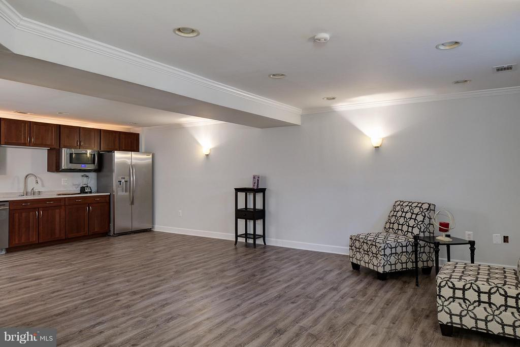 Rec Room big enough for anything you want to do! - 7317 MARIPOSA DR, MANASSAS