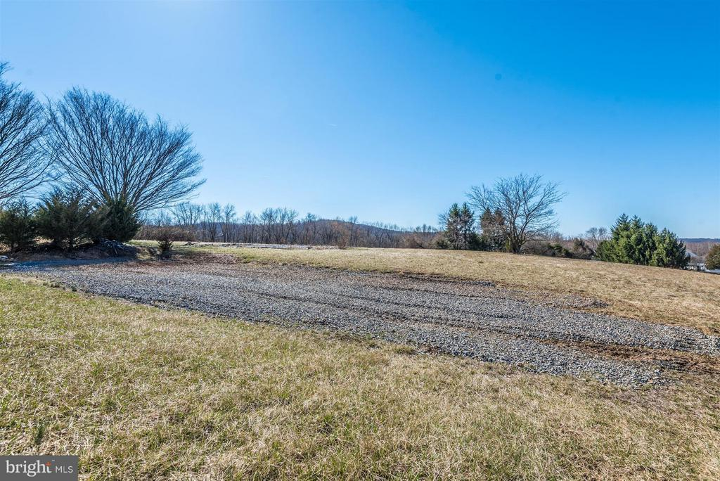 You will LOVE the awesome VIEWS! - 3406 FLINT HILL RD, ADAMSTOWN