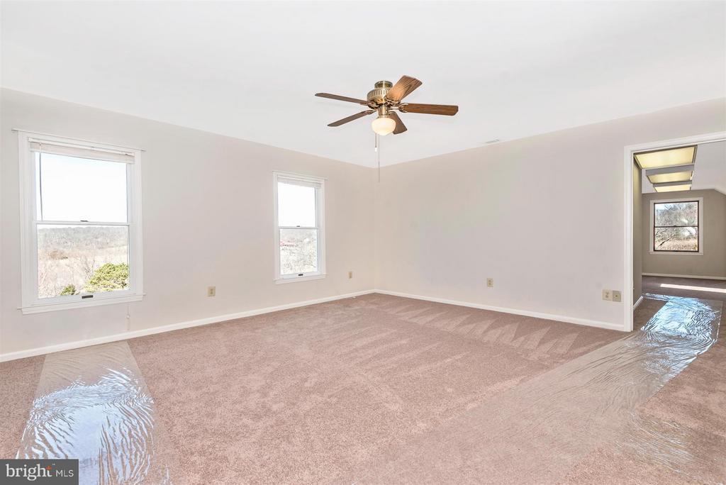 MASTER Bedroom has adjacent BONUS ROOM! - 3406 FLINT HILL RD, ADAMSTOWN