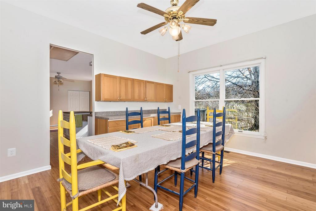 Dining Room sized for large GATHERINGS! - 3406 FLINT HILL RD, ADAMSTOWN