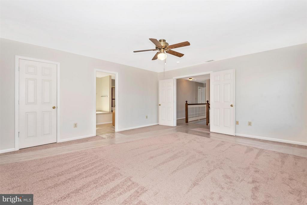 SUPERSIZED Master Bedroom with Attached Full Bath! - 3406 FLINT HILL RD, ADAMSTOWN