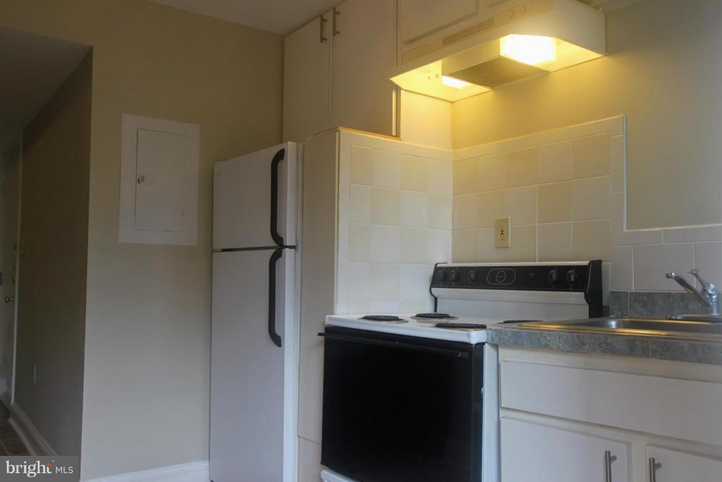 Kitchen - 2201 15TH ST NW #C04, WASHINGTON