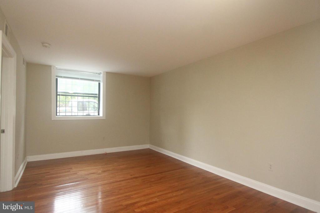 Family Room - 2201 15TH ST NW #C04, WASHINGTON