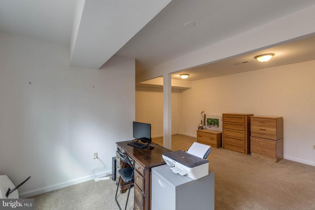 Office/den/bedroom (NTC)in basement - 21 ROSEWOOD ST, FREDERICKSBURG