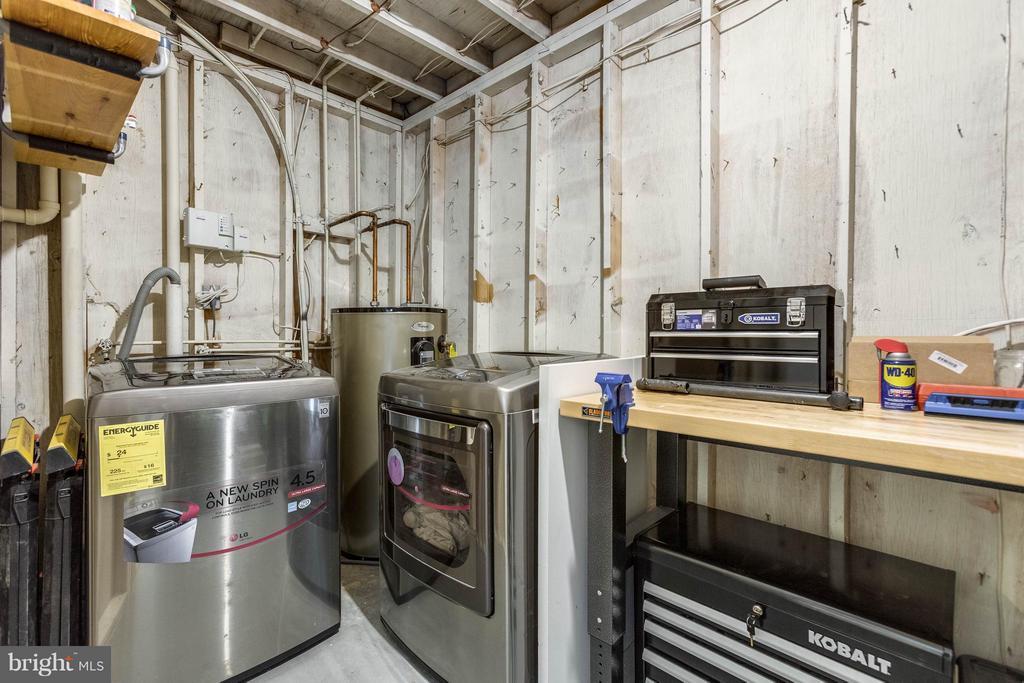 Samsung high end washer & dryer conveys - 21 ROSEWOOD ST, FREDERICKSBURG