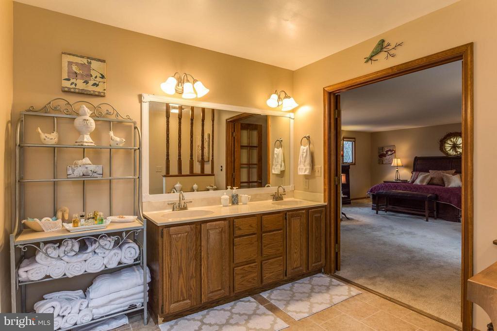 Master bath with custom vanity lots of storage - 53 KELLY WAY, STAFFORD