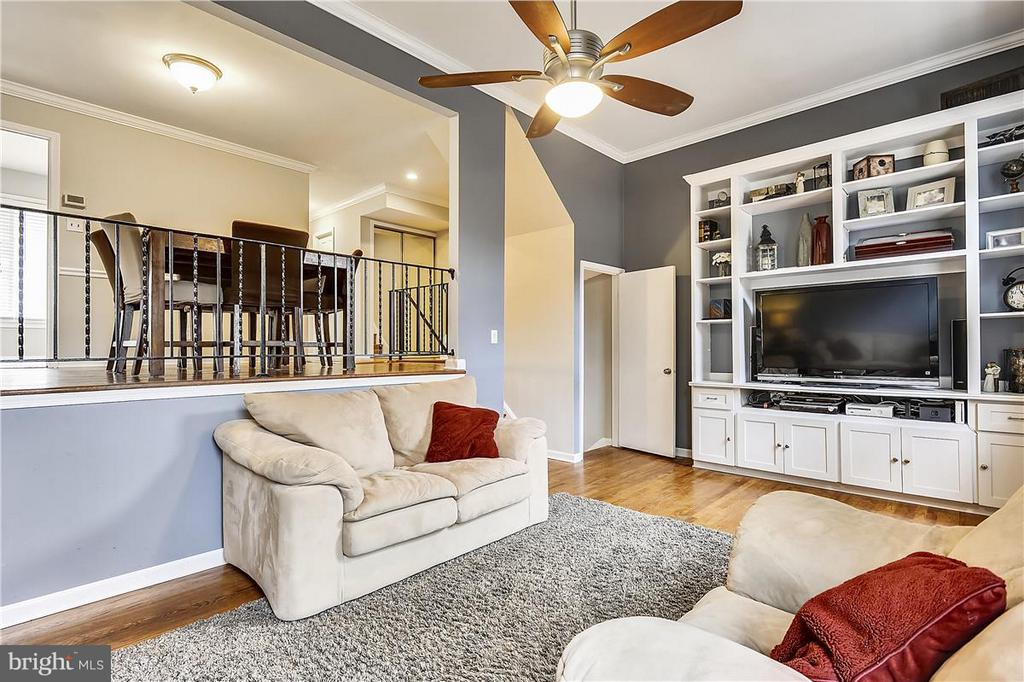 Living Room - 5430 BROMYARD CT, BURKE