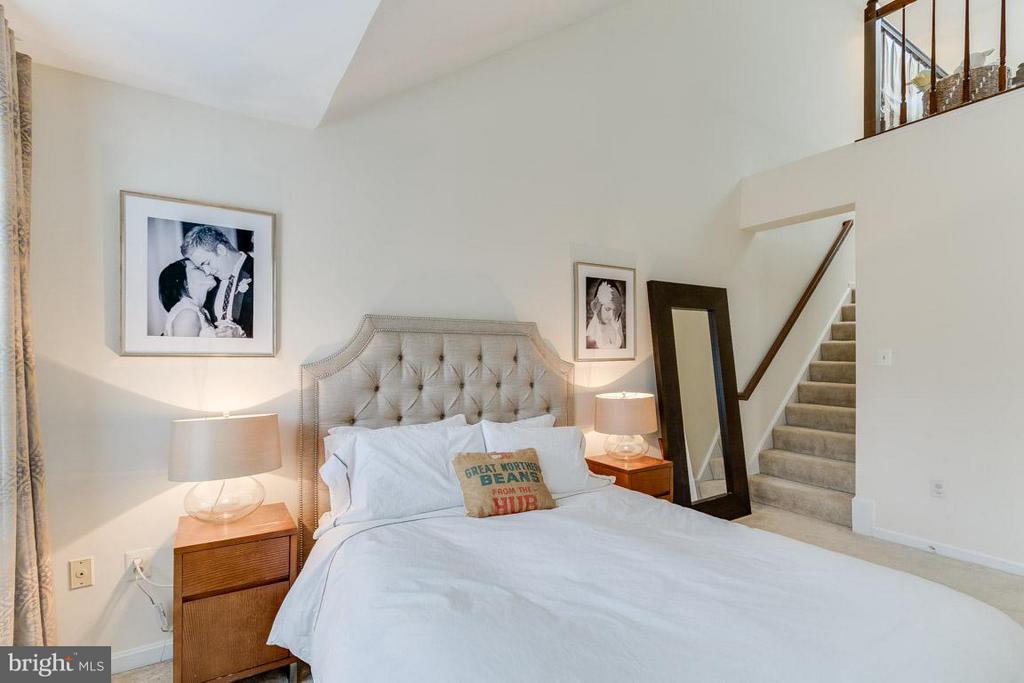Master Bedroom w/ Loft - 11745 GREAT OWL CIR, RESTON