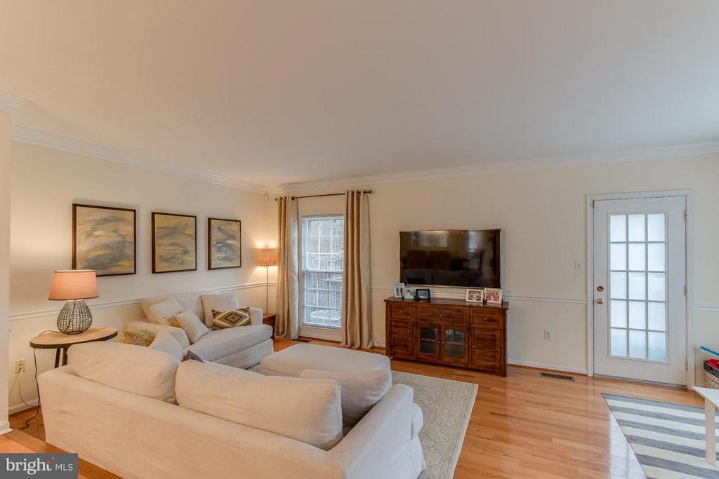 Living Room with door leading to deck - 11745 GREAT OWL CIR, RESTON