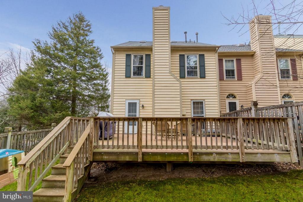 Deck Backing to Trees for Privacy - 11745 GREAT OWL CIR, RESTON