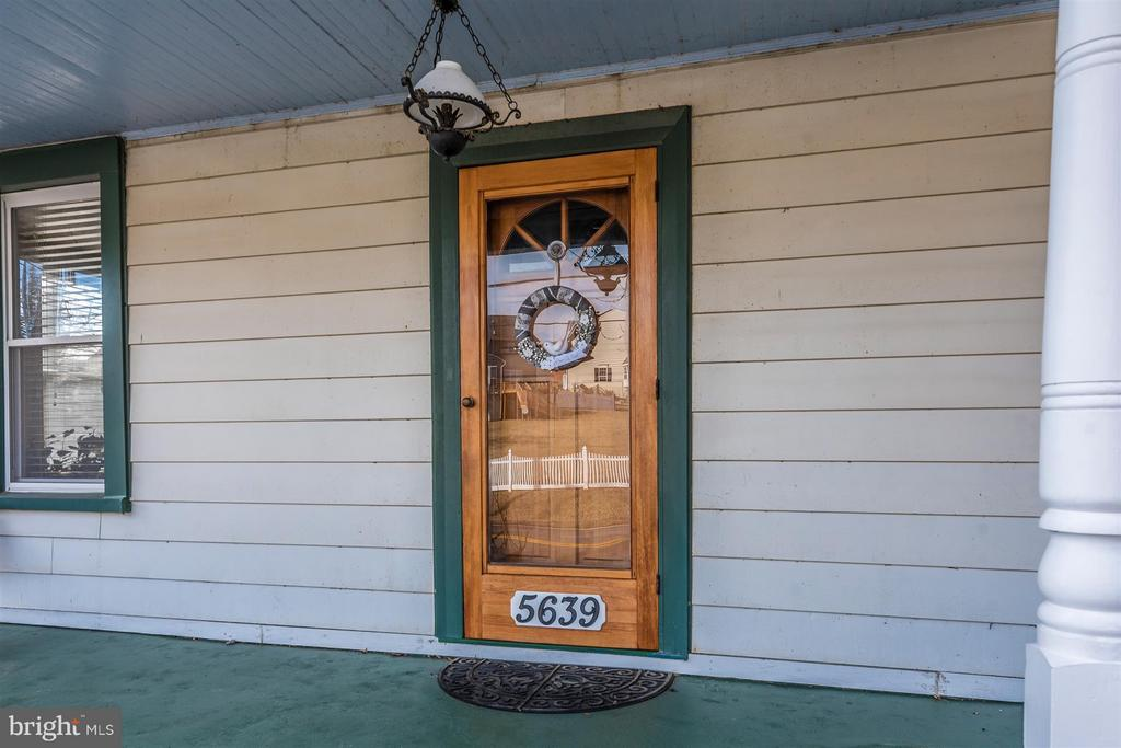 Come on in! - 5639 MOUNTVILLE RD E, ADAMSTOWN