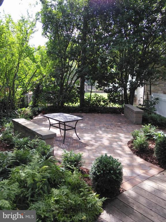 2nd Paver Patio - 225 MARKET ST, LEESBURG