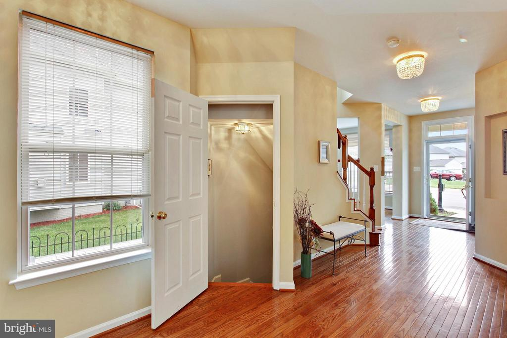 Foyer - 9336 SUMNER LAKE BLVD, MANASSAS