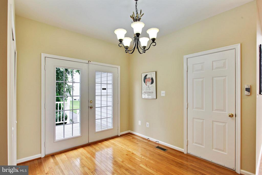 Breakfast room off the kitchen - 9336 SUMNER LAKE BLVD, MANASSAS