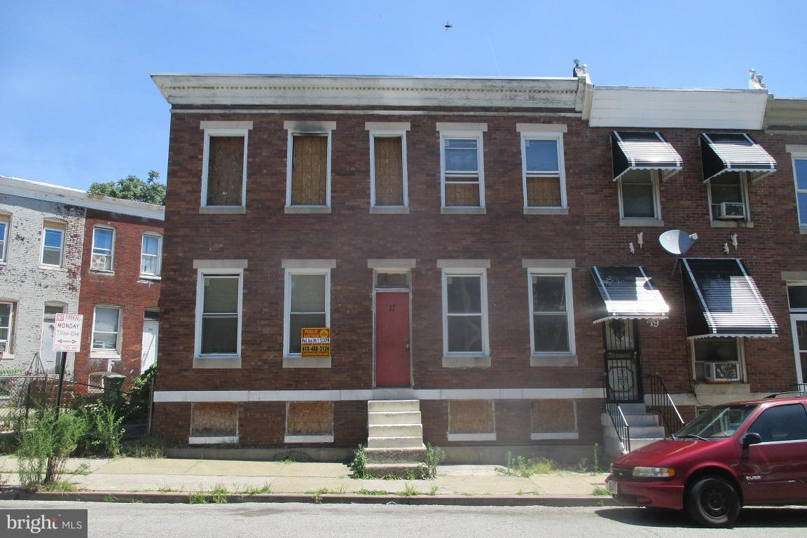 Single Family for Sale at 17 Calverton Rd S Baltimore, Maryland 21223 United States