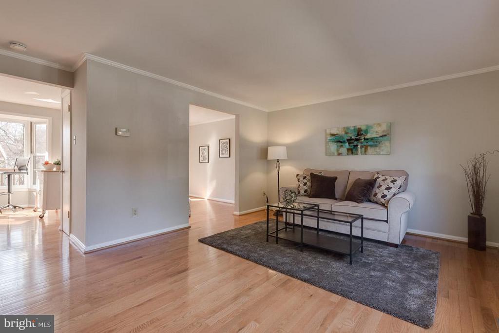 Hardwood floors throughout main level - 9027 PINEY GROVE DR, FAIRFAX