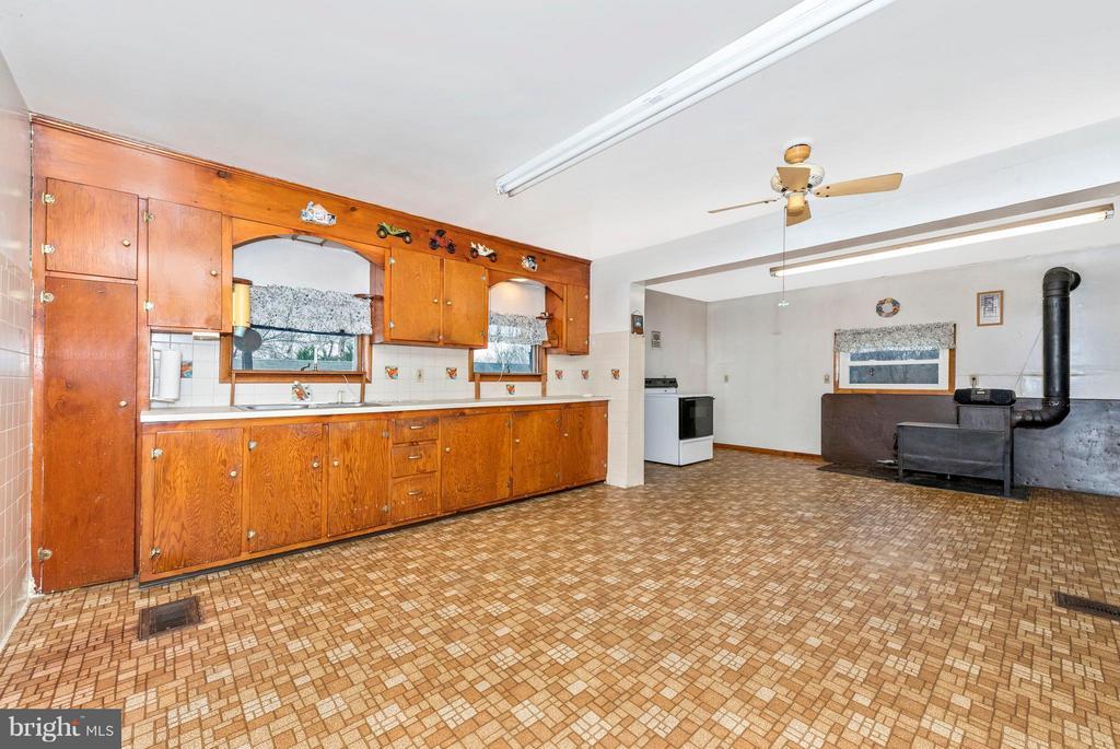 Kitchen - 4732 MUSSETTER RD, IJAMSVILLE