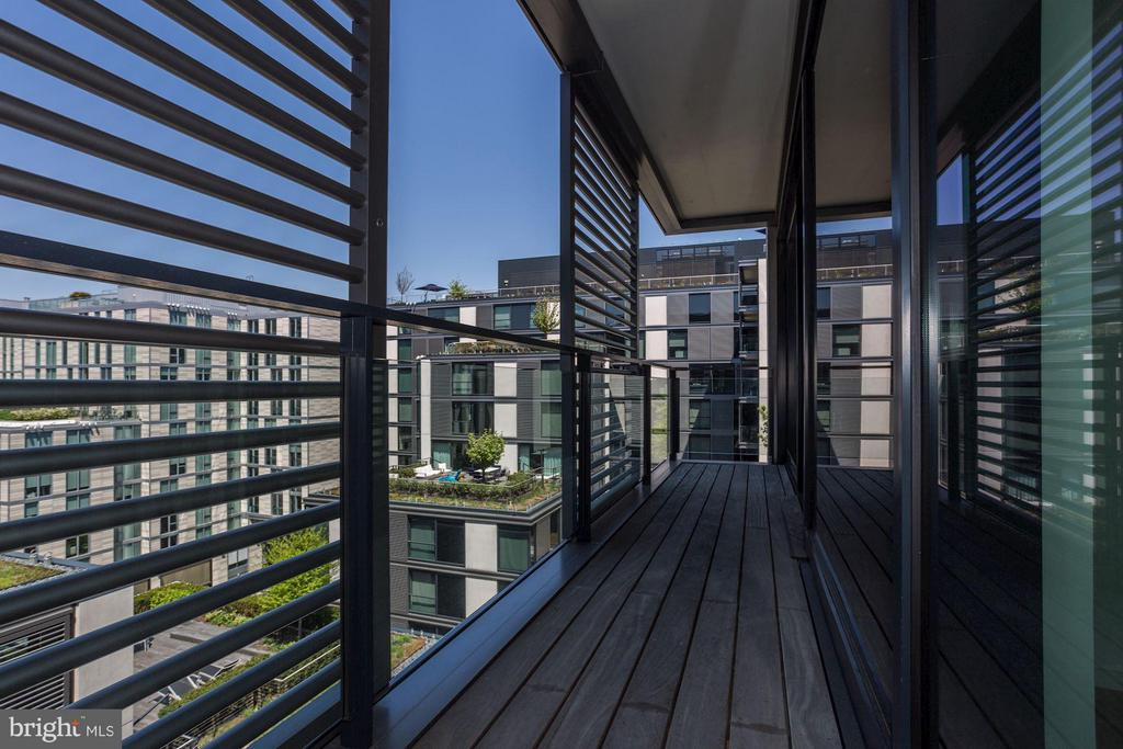 Private balcony w/ city center views - 925 H ST NW #908, WASHINGTON