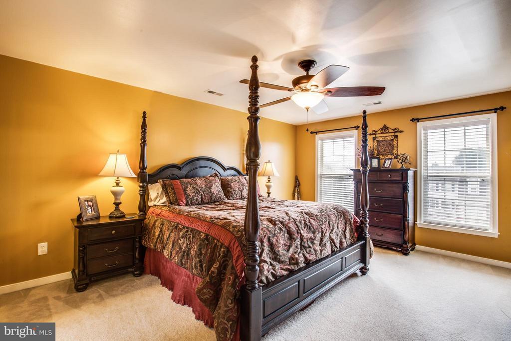 Bedroom (Master) View 2 - 5925 GLEN EAGLES DR, FREDERICKSBURG
