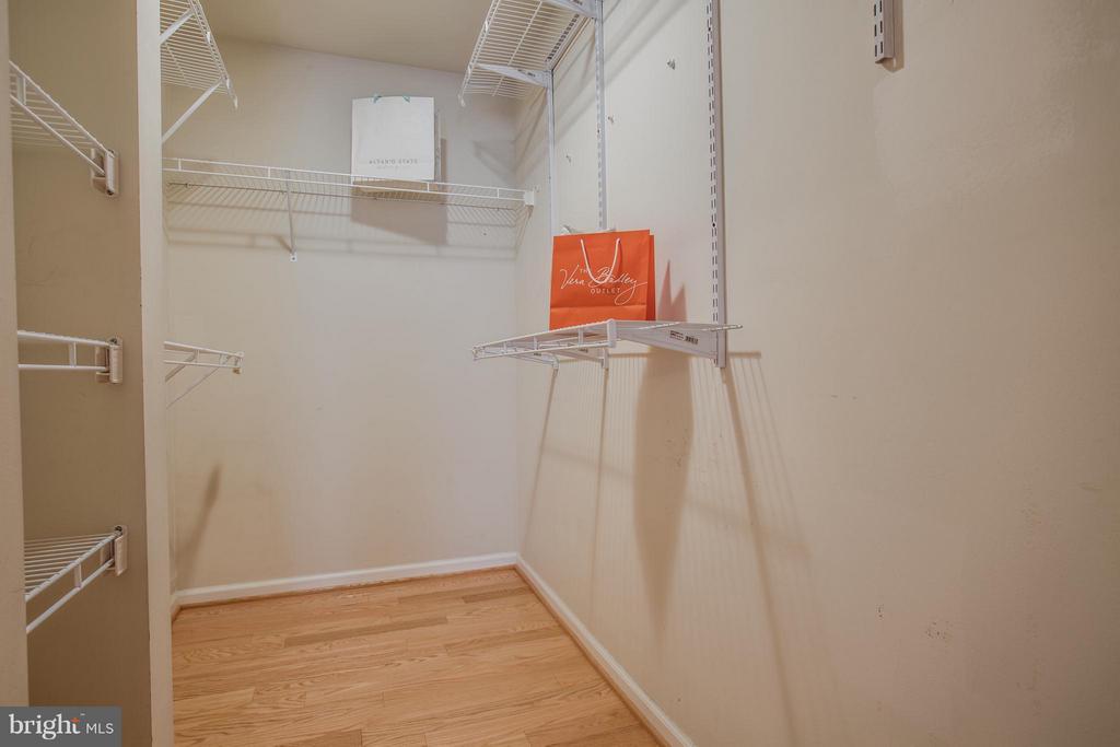 Bedroom (Master) Walk in Closet - 9134 LEGHORN PL, FAIRFAX