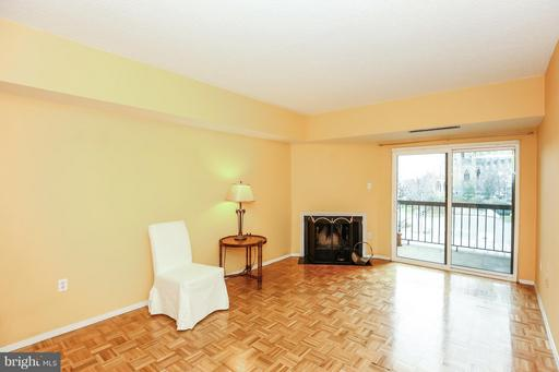 3110 WISCONSIN AVE NW #305