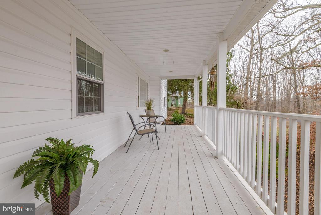 Delightful Farmhouse Style Porch - 7313 PINE DR, ANNANDALE