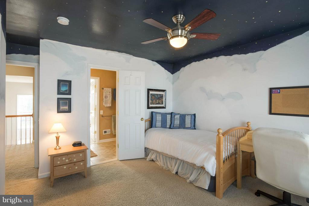 Bedroom 4 Jack N Jill -Galaxy Glows! - 43723 WOODVILLE CT, CHANTILLY