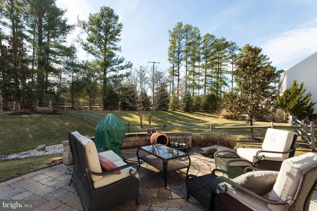 Patio - 43723 WOODVILLE CT, CHANTILLY