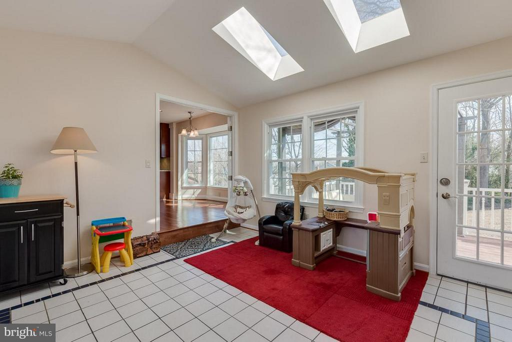 Sunroom off of Kitchen makes a great play room - 116 COPPER CT, STERLING