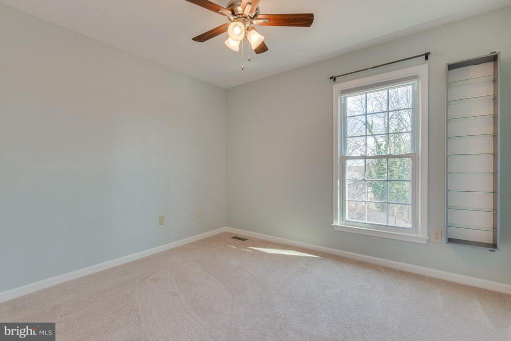 Bedroom 1 - 116 COPPER CT, STERLING