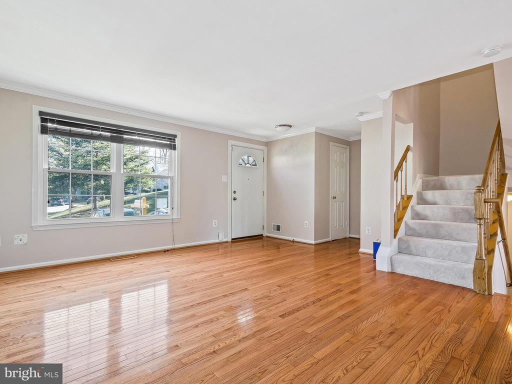 Gleaming hardwood floors throughout main level - 6637 ROCKLEIGH WAY, ALEXANDRIA