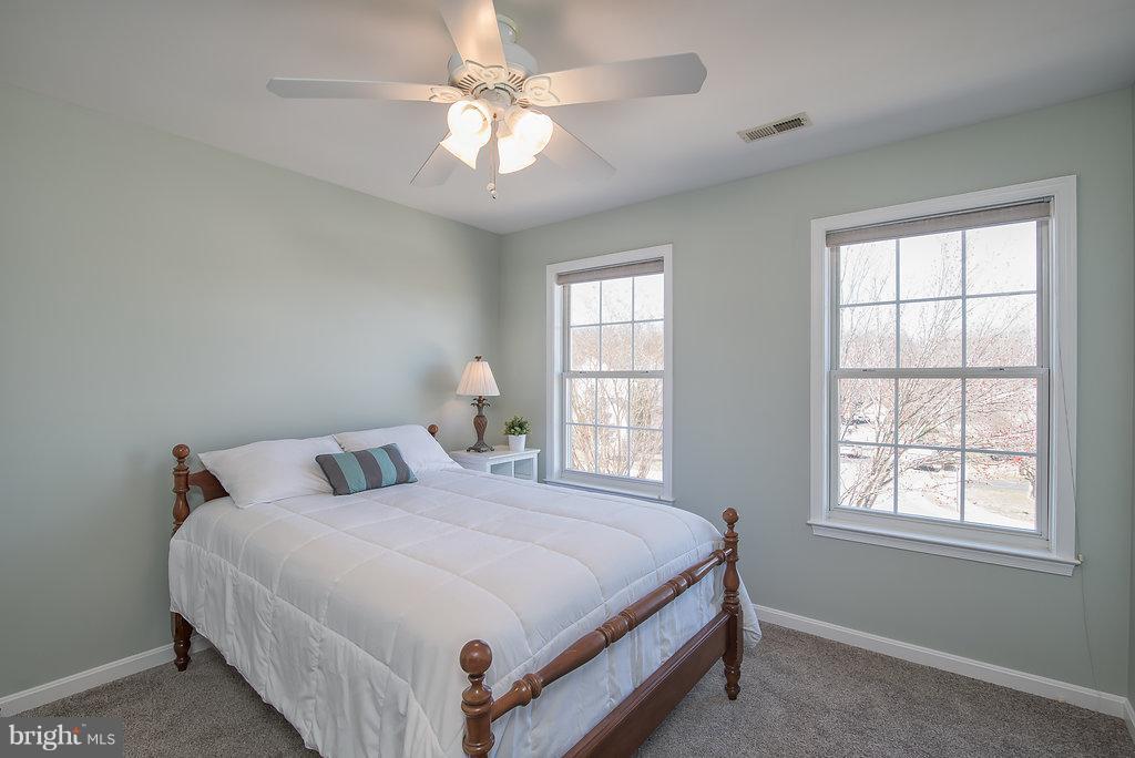 Good sized bedroom #2 - 7 BURNINGBUSH CT, STAFFORD